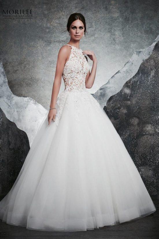 cfd4224dfb Különleges menyasszonyi ruha egyedi alencon csipkével díszített, hercegnő  stílusú, illúzió részletek, lágy organza ...