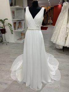 Az Eklektika eskuvoi ruhaszalon Ronald Joyce kollekciojanak Inna02 menyasszonyi ruha termekfotoja