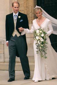 Kiralyi esküvői ruha sorozatunk keretében Sophie Rhys-Jones menyasszonyi ruhája