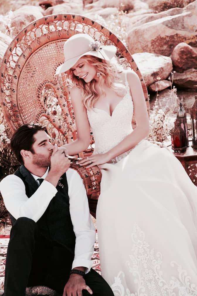 Style: Reba/2080. esküvői ruha a Morilee 2020 évi kollekciójából. Hercegnő stílusú, vállpántos, alencon csipke menyasszonyi ruha hatalmas csipke uszállyal. image 2