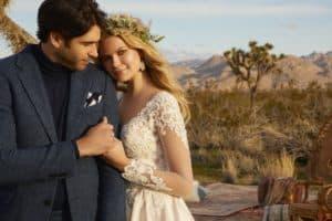 """Style: Reina/2082 a Morilee 2020 évi """"Desert Dreams"""" kollekciójából. Romantikus hosszú ujjú esküvői ruha hercegnő stílusú szatén szoknyával és csipke felsőrésszel."""