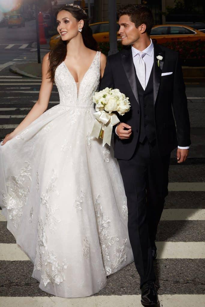 A Morilee haute couture menyasszonyi ruha kollekciójának, a tervezőnő nevét viselő Madeline Gardner kollekceónak image fotója