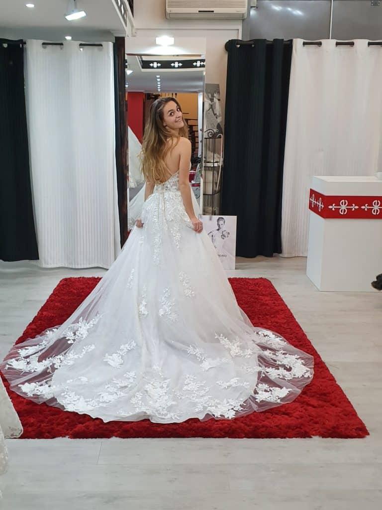 Patricíia ruhaválasztása az Eklektika esküvői ruhaszalonban Budapesten. 4/2 fotó