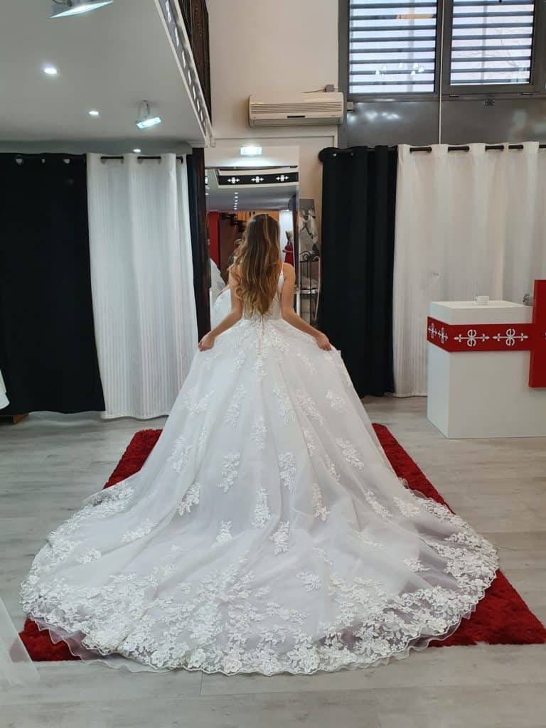 Patricíia ruhaválasztása az Eklektika esküvői ruhaszalonban Budapesten. 5/2 fotó