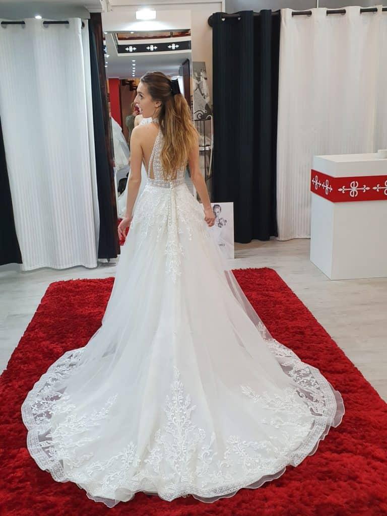Patricíia ruhaválasztása az Eklektika esküvői ruhaszalonban Budapesten. 3/2 fotó