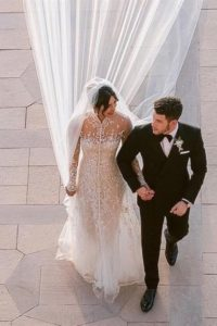 Priynka Chopras menyasszonyi ruhája