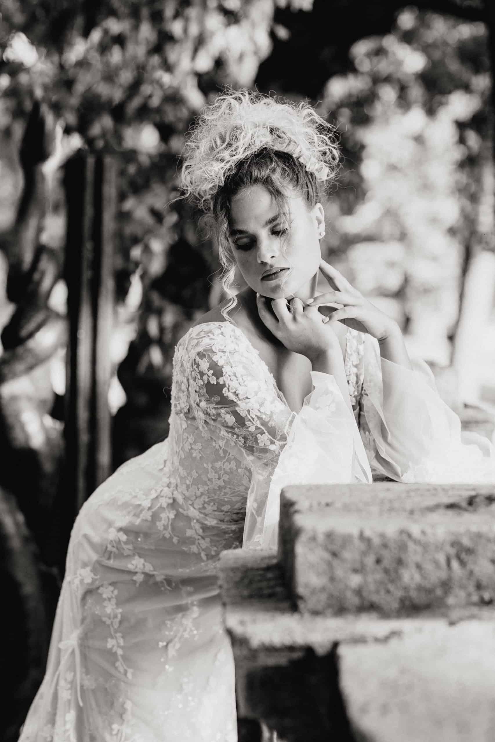 Madi Lane kollekciónk Briony modellje. A fotó Budapesten a romantikus Városligetben készült.
